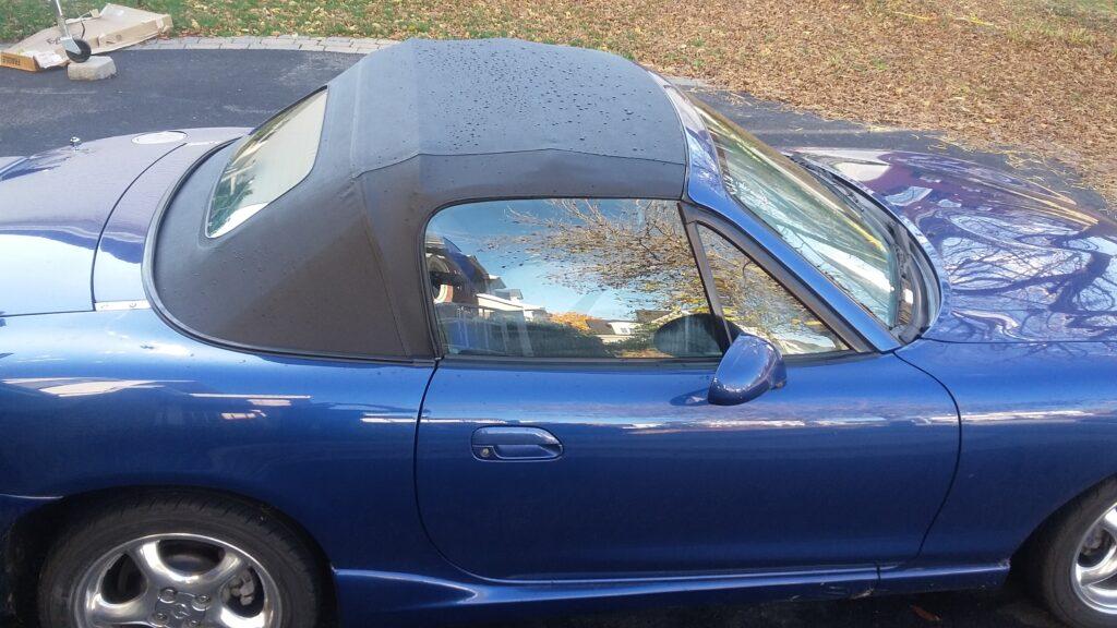 Mazda miata bleu